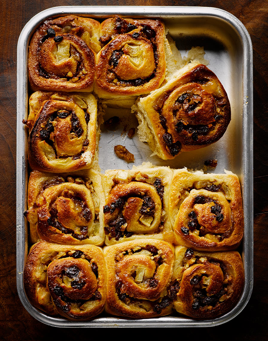 Appley Chelsea buns | Colin Campbell - Food Photographer