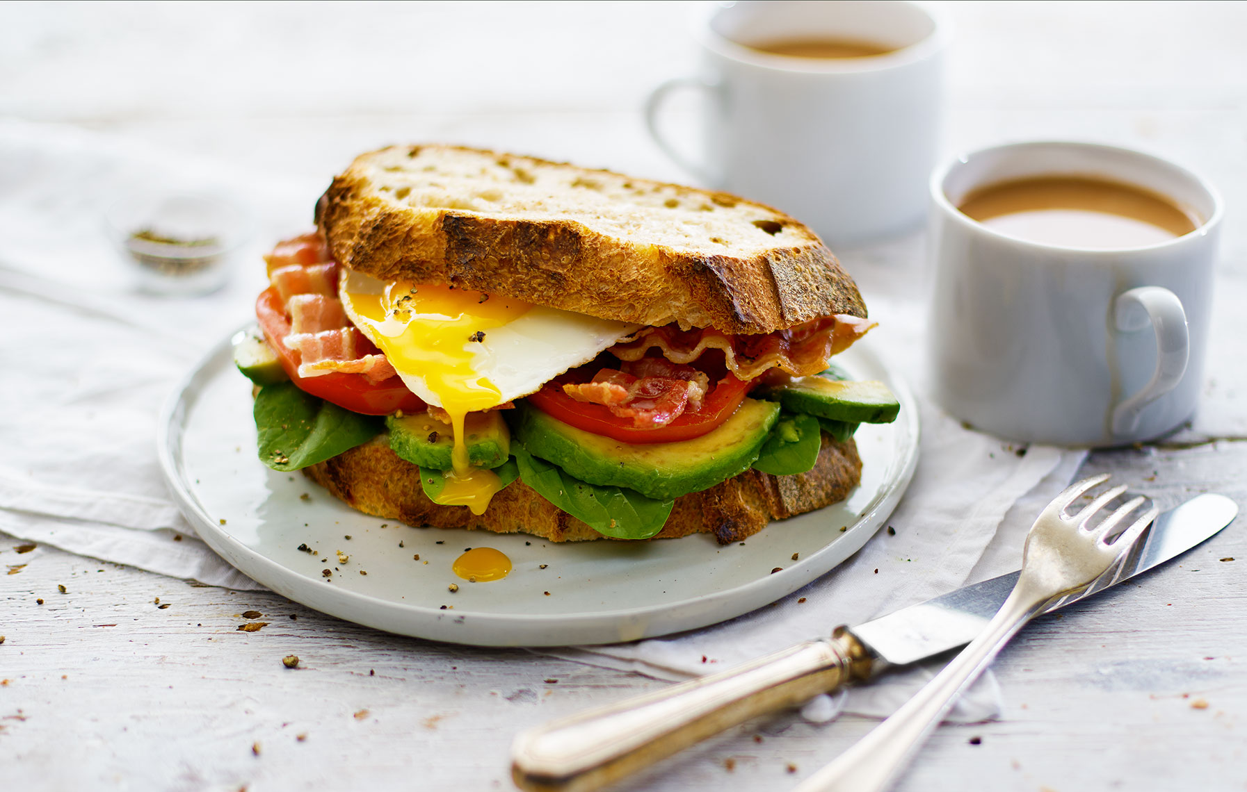 Healthy-Hangovers-bacon-and-avocado-sandwich