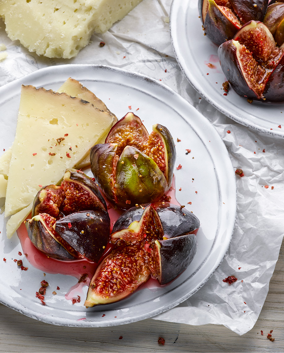 Sugared figs cheese and pink pepper | Colin Campbell-Food Photographer London