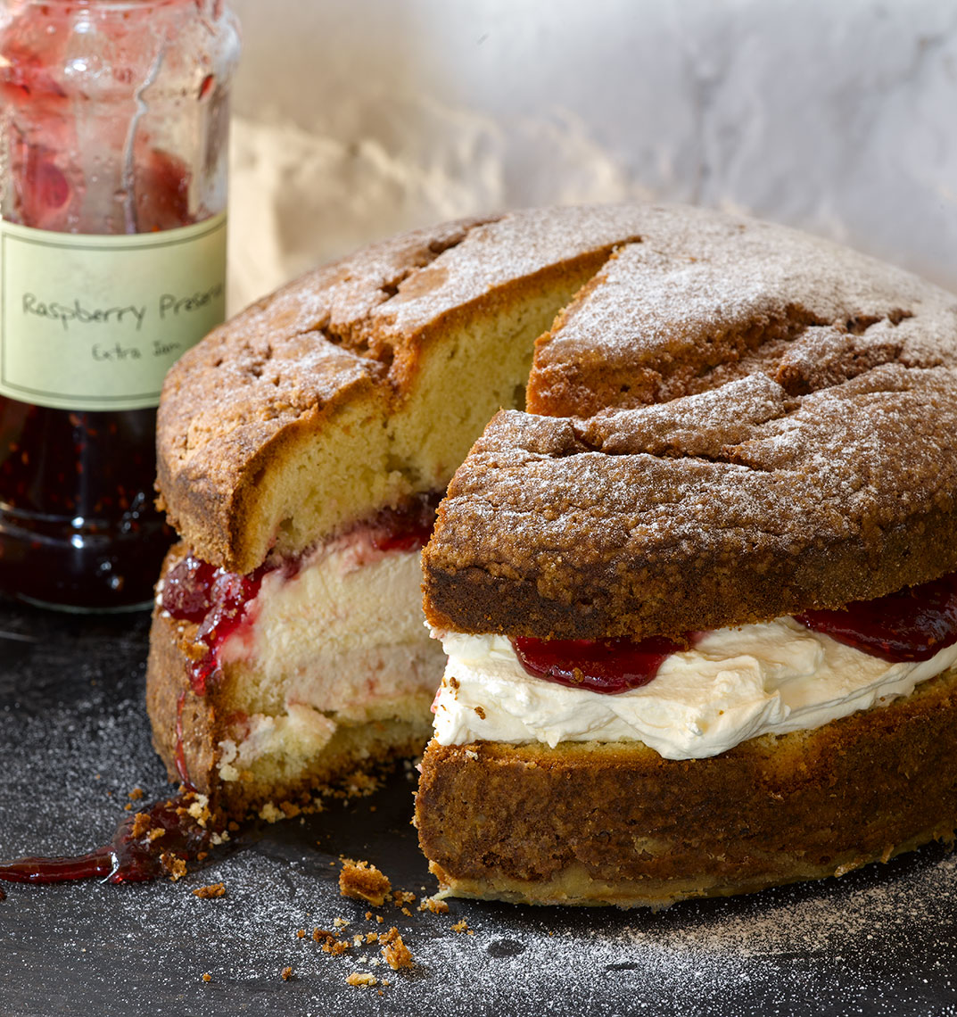 River Cottage Victoria Sponge | Colin Campbell - Food Photographer